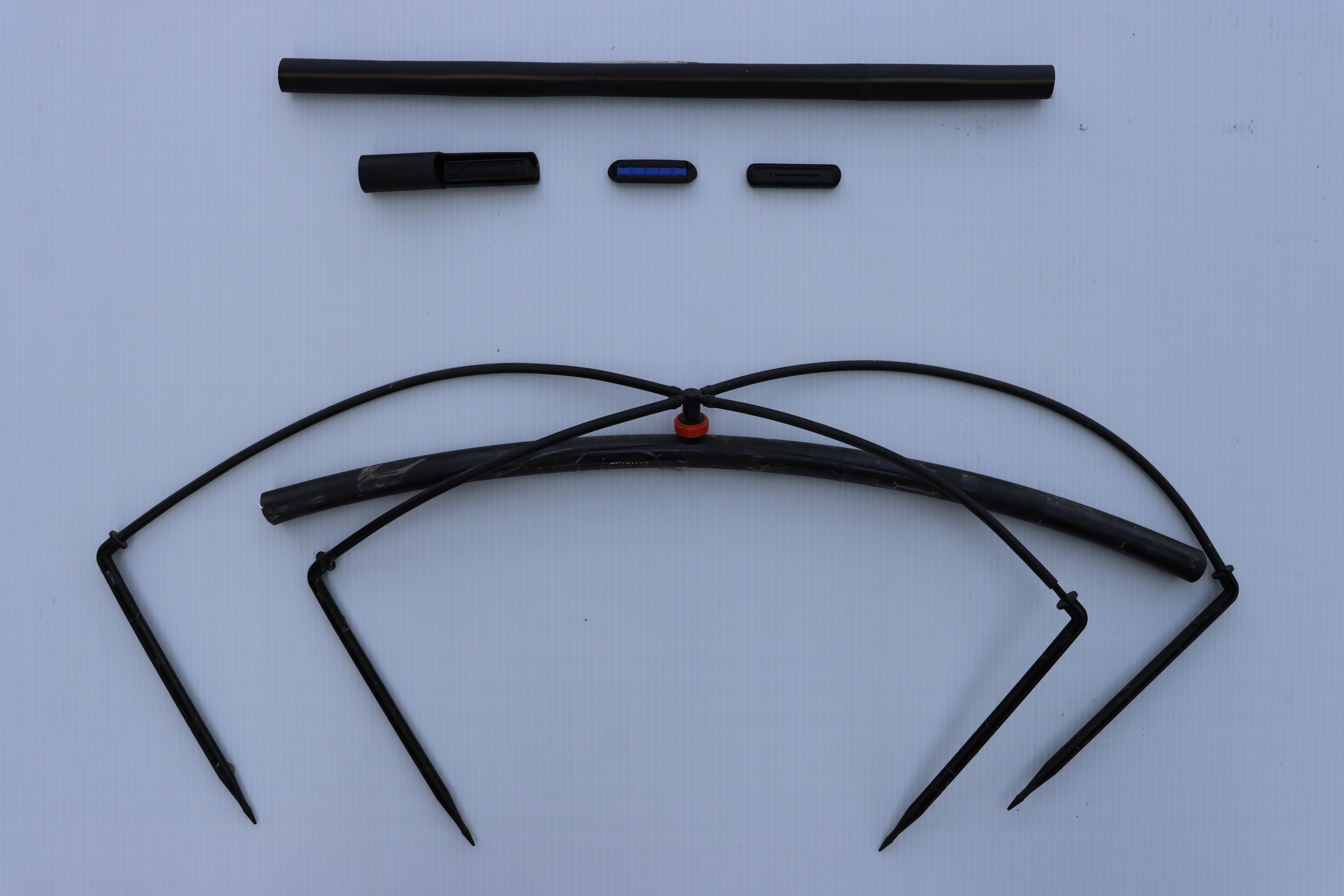 基本滴管型式:滴水器內鑲型滴管(上)及滴水器外接型滴管(下)